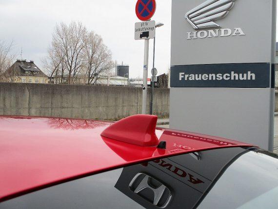 509102_1406492893949_slide bei Honda Frauenschuh Salzburg & Köstendorf / Auto & Motorrad in